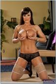 Lisa-Ann-Seduced-By-A-Cougar-2-%28solo%29-50dsdjcraa.jpg